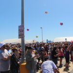 crowd-beach-balls